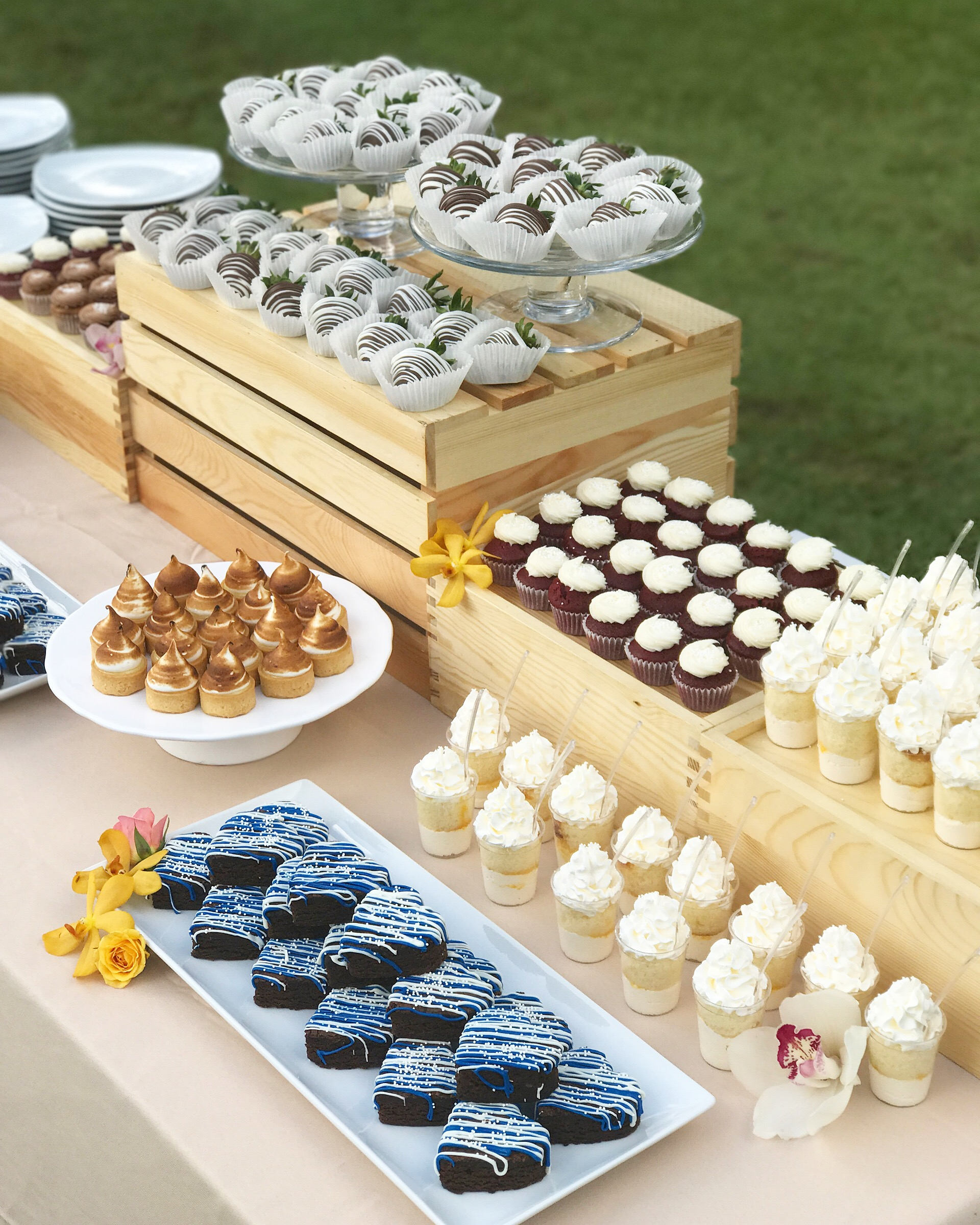 Wedding Dessert Table: Mini Desserts