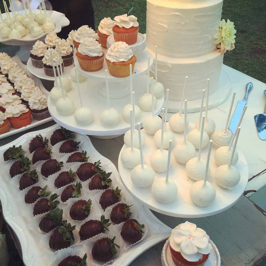 Small Desserts For Weddings: Mini Desserts