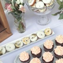Mini Donuts & Cupcakes