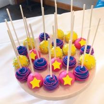 Super Girl Cake pops