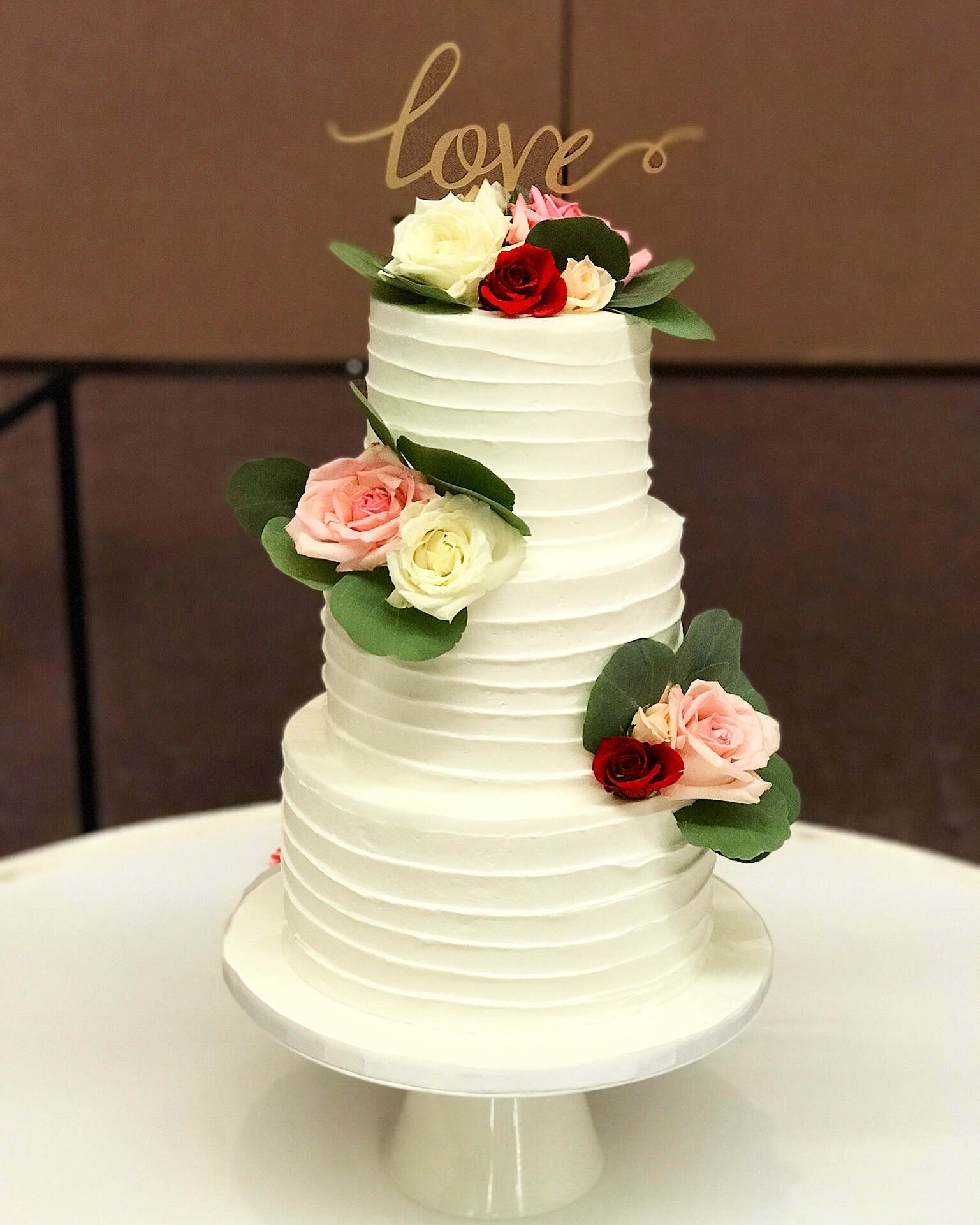 Aloha and Welcome to A Cake Life. A Cake Life is dedicated to creating customized cakes for all your special occasions.Whether you